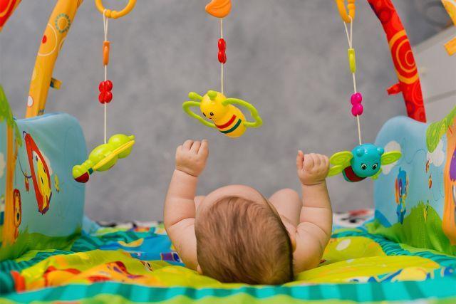 Occuper bébé nom de livre bebe
