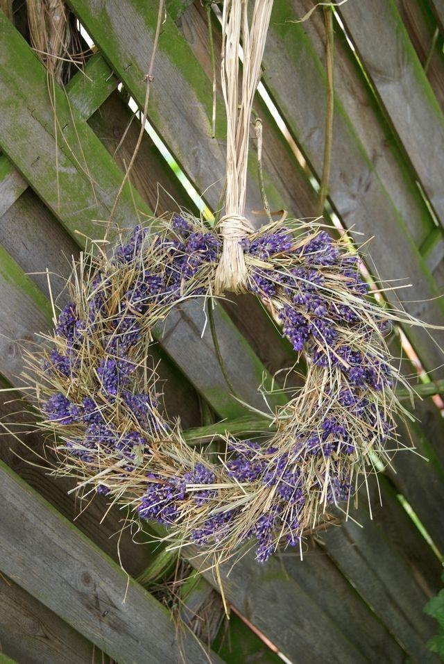 Filz und Garten: Lavendelkranz mit Heu