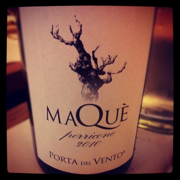 100% perricone #wine #Winelover #Sicilia » Nota vulcanica molto pregevole, amarena sotto spirito, note balsamiche, rosa. Tannino, mineralità e acidità ben bilanciate un bel finale lungo