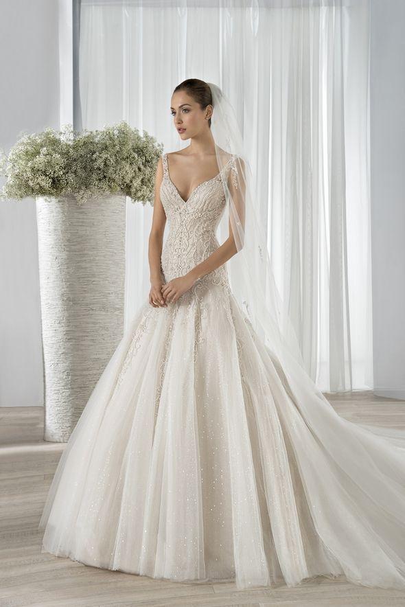 Νυφικά Φορέματα Demetrios Collection - Style 606