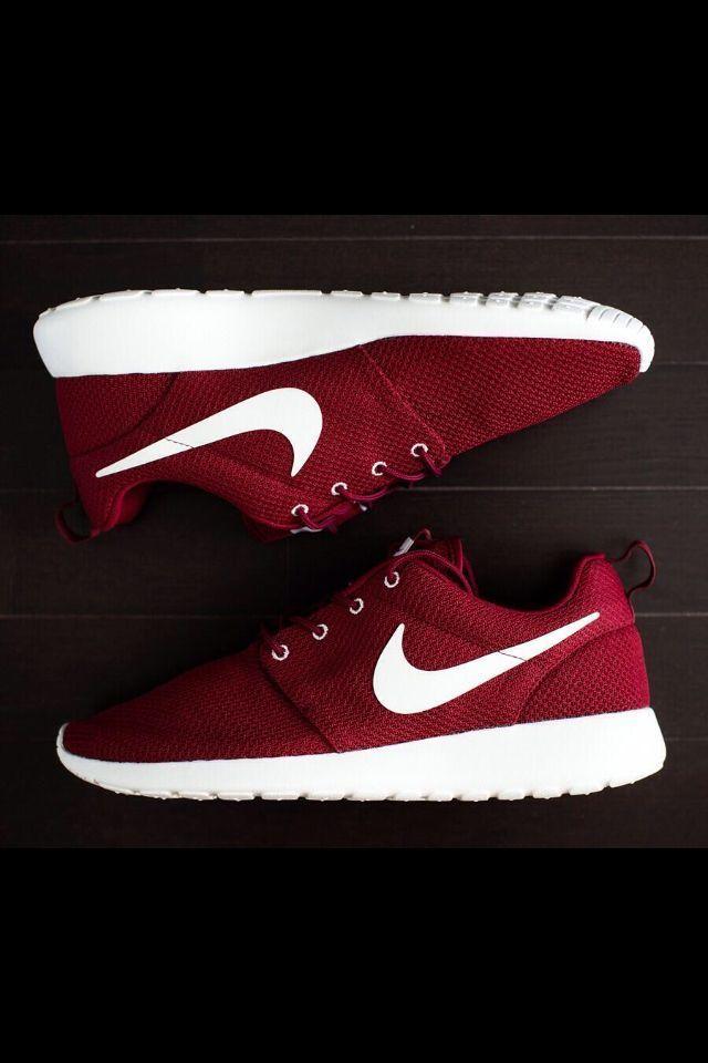 Nike ROSHE RUN Rosherun Burgundy Team Red Sail Maroon Yeezy 511881 610 GPX CAMO