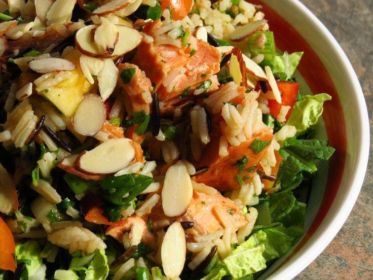 Une autre recette de salade bien nourrissante qui traînait sur mon Pinterest. Délicieuse ! 4 portions Salade : 3/4 tasse de riz ba...