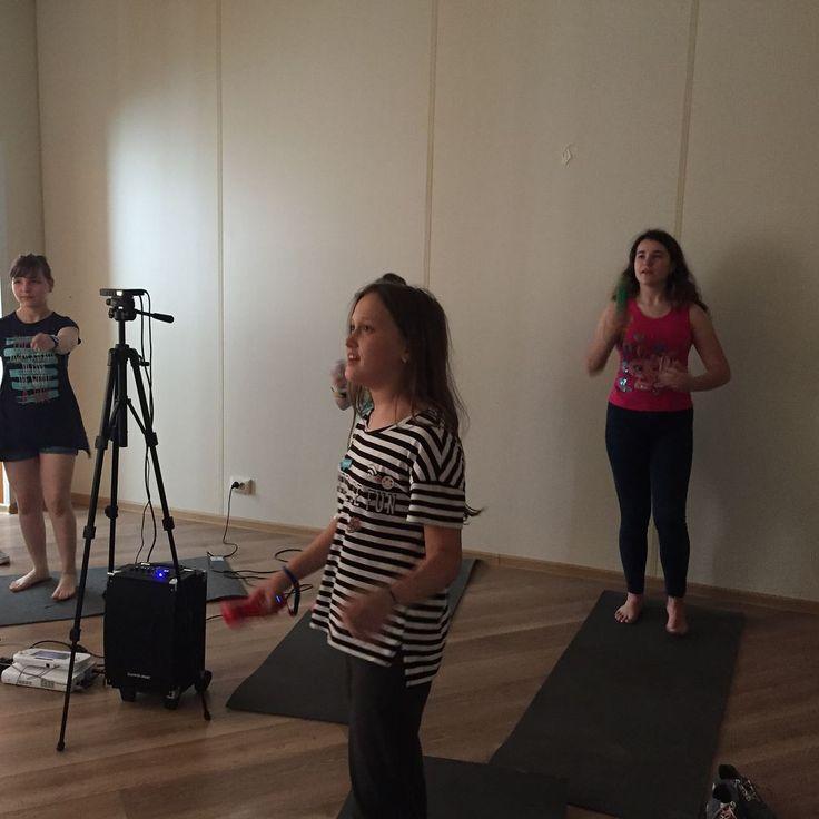 Пока большинство ребят играют в лазертаг, мы не теряем время зря. У нас проходят творческие и танцевальные мастер-классы #summer2017 #nextcamp #лучшийлагерь #nextcampвсмоленске