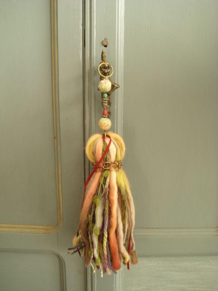 vellón, lanas , sedas y elementos de bijou