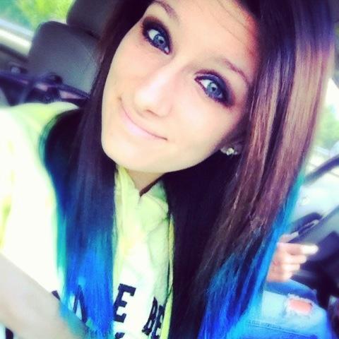 dark hair and blue tips (: | hair (: | Pinterest