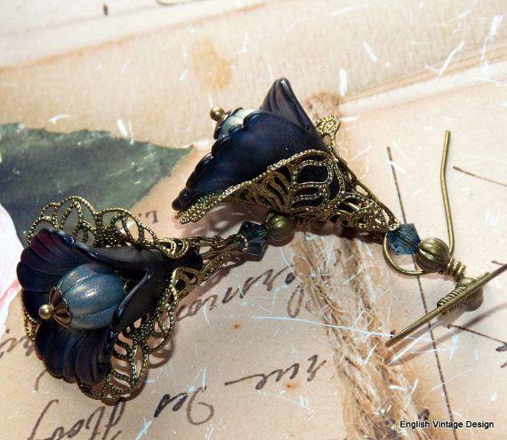 Lucite bloem oorbellen 'Midnight Blue' door EnglishVintageDesign