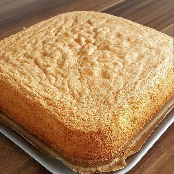 """970 Likes, 37 Comments - Kadriye Celebi💕 (@kcelebi_tarifleri) on Instagram: """"Selamun aleykum arkadaslar ...nefiss bir pandispanya pisti 👌👌.. ama simdi ben bunu nasil bir pasta…"""""""