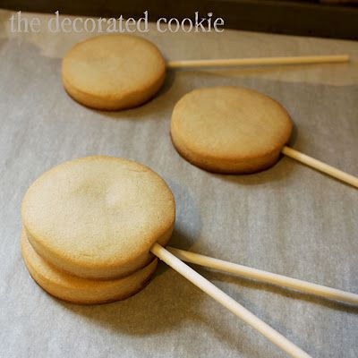 How to make cookie pops | The Decorated Cookie