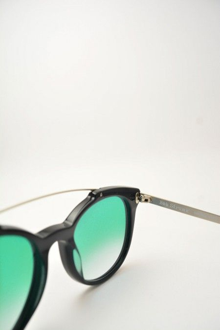 Bob Sdrunk ASH black and turquoise sunglasses #Sunglasses #BobSdrunk #BlackShiny #ClassicShape #Ash #GreenGradient #BassanoDelGrappa #DesignGlasses #Design #Gold #Gomorra #GomorraTheSeries on line store at www.bassanooptical.com