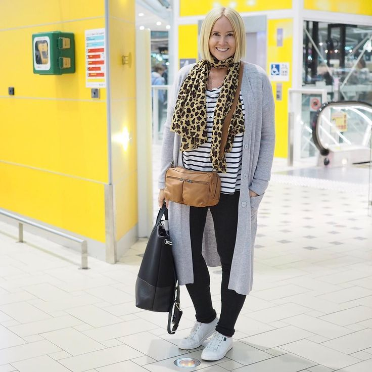 Today's #everydaystyle ... and we're off. So excited to be checked in and sitting in the lounge waiting to board our @etihadairways flight to Rome. Wearing: @sassind_melbourne cardi tee and leggings (gifted - I'm in M in everything); @adriftclothing scarf (sold out in the Styling You shop); @wandererstravelco camera bag; @xander.studio backpack; @frankie4footwear NAT sneakers.
