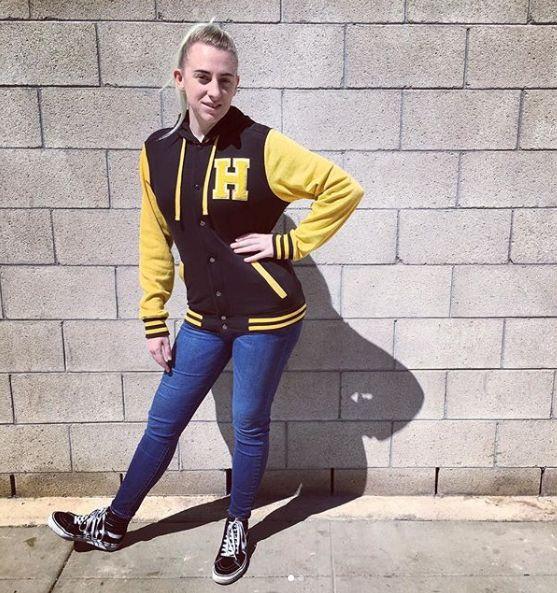 ba1dd6df3c Give me an H! // Harry Potter Hufflepuff Black & Yellow Varsity Hoodie |  #HTFANDOM in 2019 | Fashion, Harry Potter, Rock t shirts