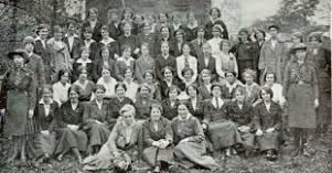 : The relationship between Cumann na mBan, the Irish Volunteers' women's organization, and the independence movement was both comradely and contentious. (Blog post with links to more information)