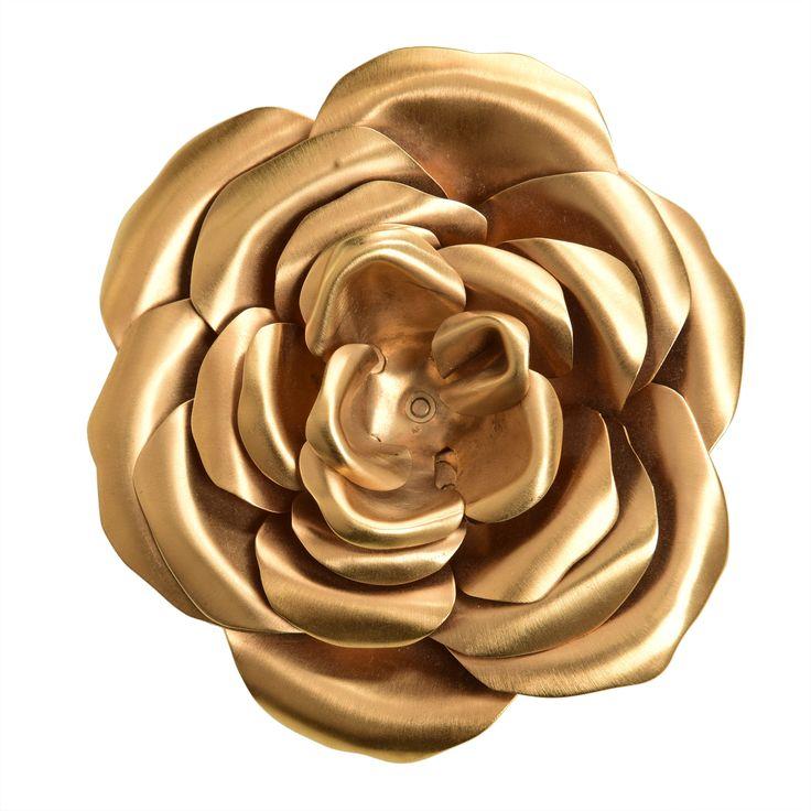 Valentino Flower Brooch, in gold. Gently worn, 130 Euro.
