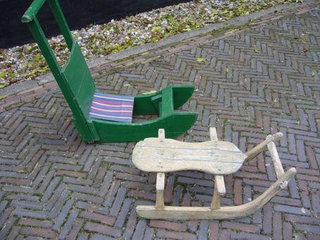 2 houten sleetjes