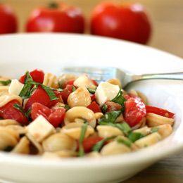 Caprese pasta saladOlive Oil, Caprese Pasta, Pasta Salad Recipes, Side Dishes, Capr Pasta, Caprese Salad, Pasta Capr Salad, Pasta Recipe, Food Recipe