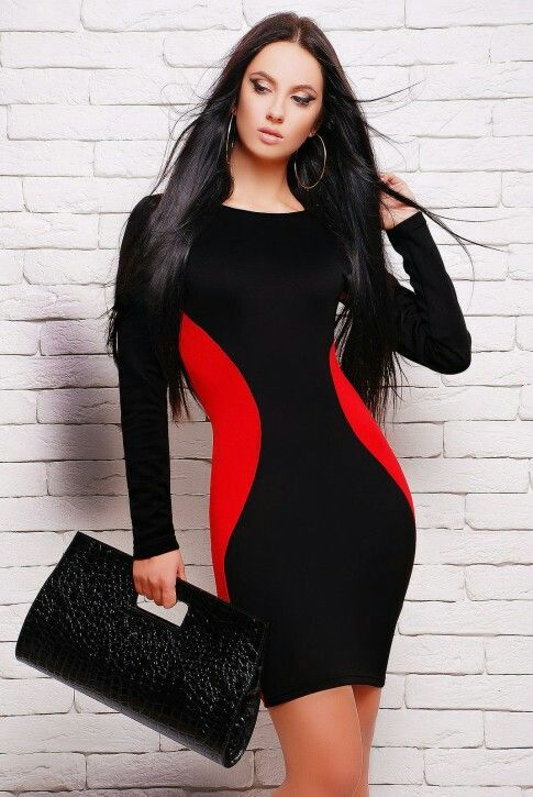 Платье с вставками красного цвкта