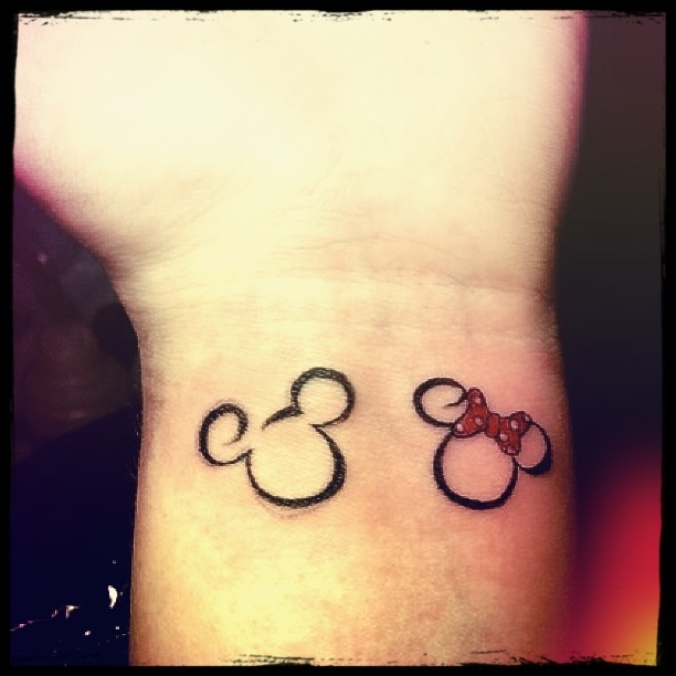 Disney Couple Tattoo I wanna get this it's to cute ...