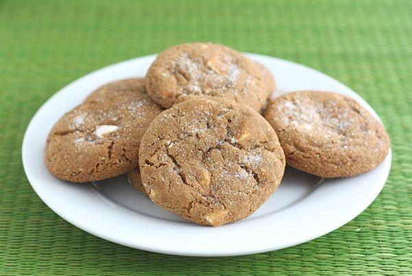 ginger-white-chocolate-chunk-cookiesSoft Gingersnap, Chocolate Chunk Cookies, Gingersnap White, Chocolates Chunk, White Chocolate, Gingersnap Cookies, Gingerbread Cookies, Cookies Recipe, Cookie Recipes