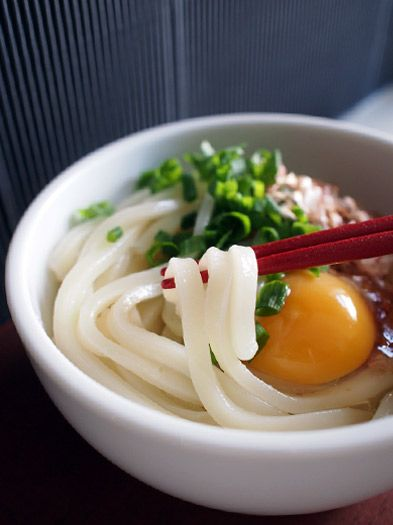 Japanese Kamatama Udon, Boiled Udon Noodles with Fresh Raw Egg and Soy Sauce|釜玉うどん