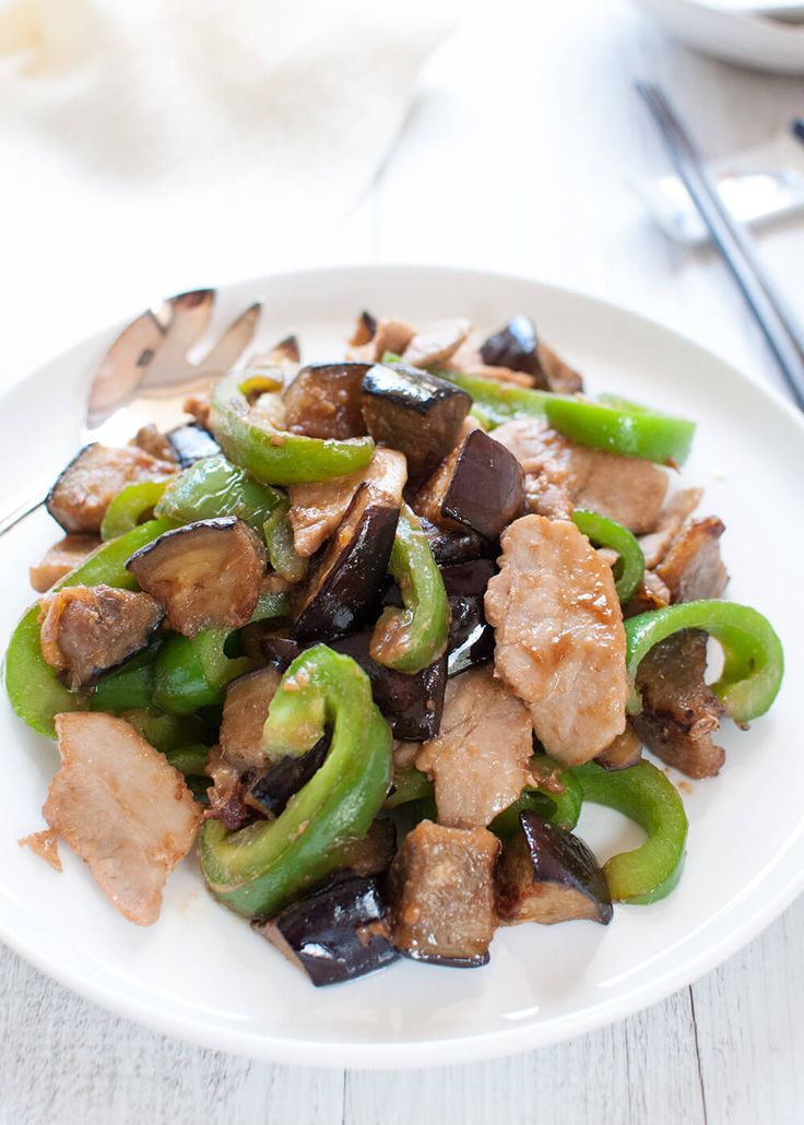 Miso Stir Fry with Eggplant, Capsicum and Pork is a quick side dish. Eggplant goes so well with miso and green capsicum adds bright colour to the dish.