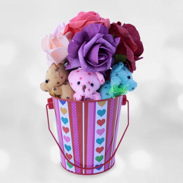 Baharın Renkleri. Rengarenk mini sevimli ayıcıklar ve güller ile hazırlanan ''Baharın Renkleri'' size iyi gelecek.