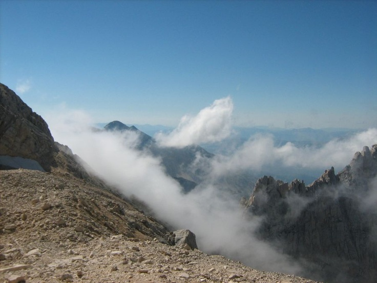 http://www.uniquevisitor.it/abruzzo/parchi/parco-nazionale-gran-sasso/foto-corno-grande-gran-sasso.php