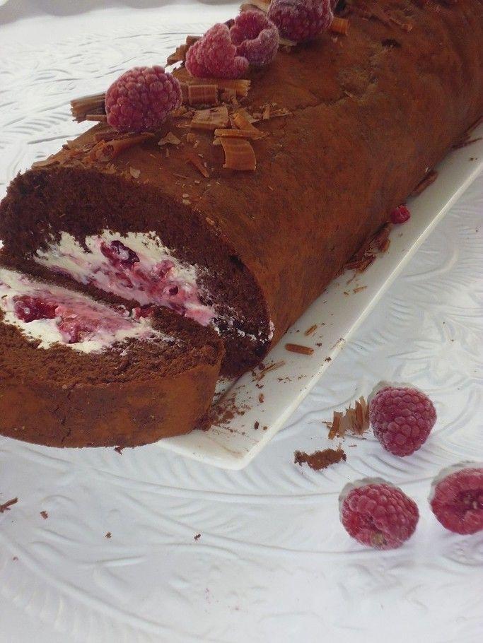 Chocolade cakerol met frambozen! smakelijck.nl