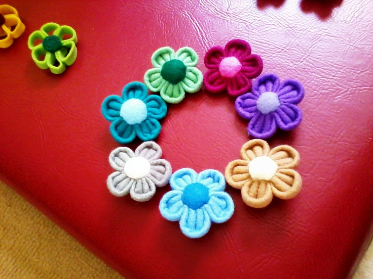 thick flower brooch  inspired by a friend who love brooch...