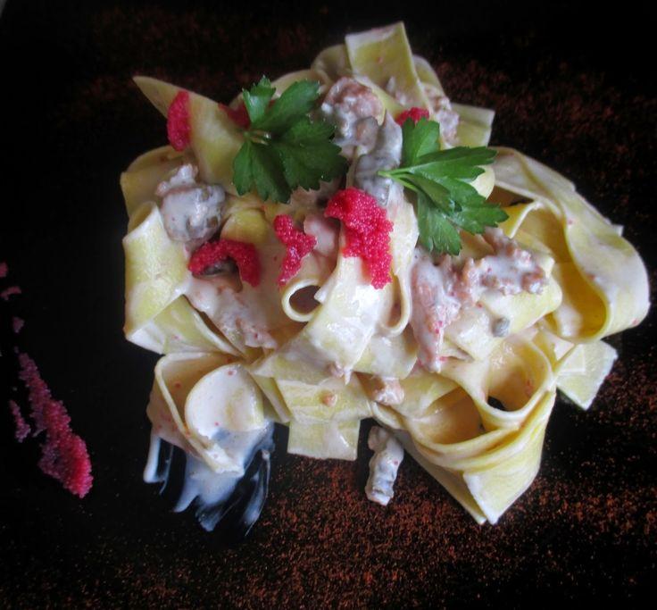FORNELLI IN FIAMME: PAPPARDELLE WITH SOYA CREAM, CAPELIN'S EGGS, SALMON AND MARSALA - Pappardelle all'uovo con panna di soya, uova di capelin, salmone e marsala