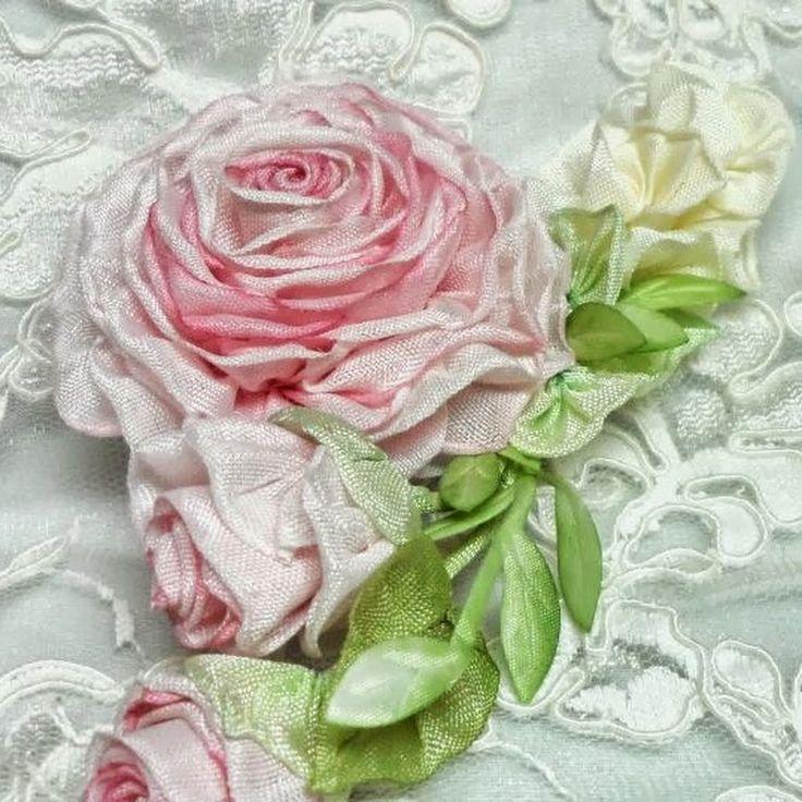 Ribbon flowers - lambsandivydesigns - YouTube channel