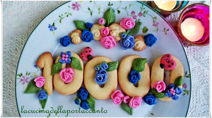Biscottini fioriti creati per Scatty Dy Gola (copertina Facebook per i 10.000 iscritti)