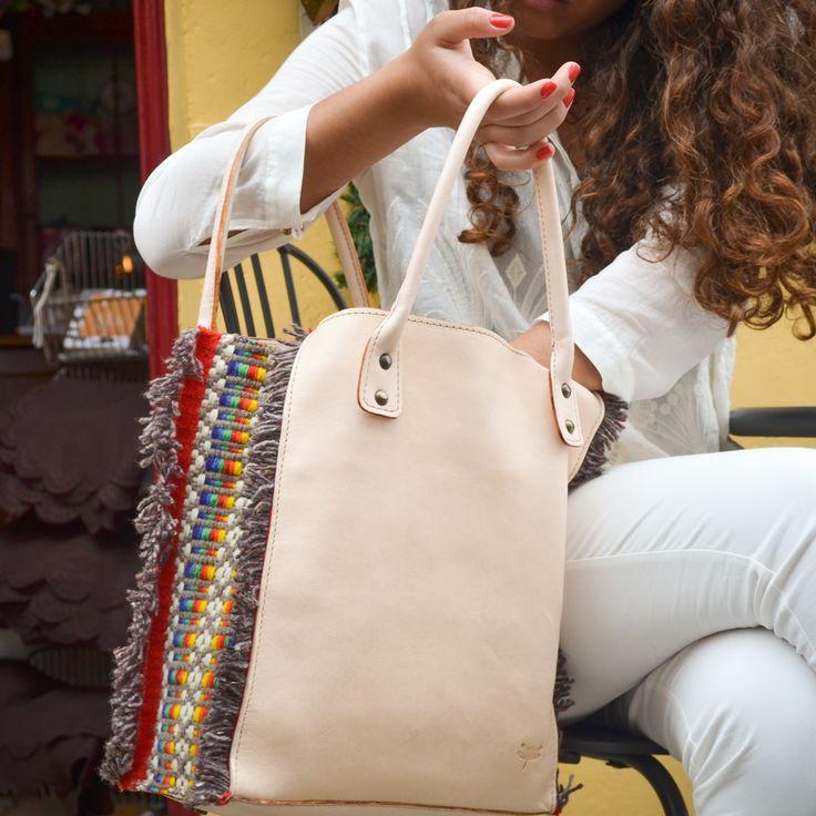 Enjoying a lovely summer with MindeBag Janota! #subtilmm #handmade
