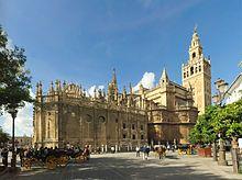 Kathedrale von Sevilla Die Kathedrale von Sevilla (Santa María de la Sede) ist die Bischofskirche des Erzbistums Sevilla in Sevilla. Sie ist die größte gotische Kirche der Welt und eine der größten Kirchen der Welt. Sie wurde 1401–1519 erbaut, steht seit 1928 unter Denkmalschutz und gehört seit 1987 zum Weltkulturerbe der UNESCO.
