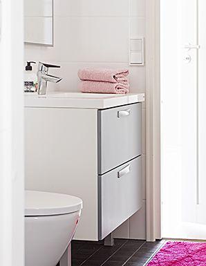 ABB-talo. Tässä lomakodissa Topin persoonalliset ratkaisut auttavat arkea lomaillessakin. Kolme makuuhuonetta, suuri ja tyylikäs keittiö sekä loistavia säilytysratkaisuja aina eteistä myöten. Erillinen kodinhoitohuone miellyttää arjen keskellä myös lomaa viettäessä.