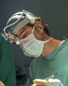 el mejor cirujano plastico de nariz de españa, mejores clinicas rinoplastia madrid, mejor cirujano plastico rinoplastia barcelona, rinoplastia madrid vilar sancho