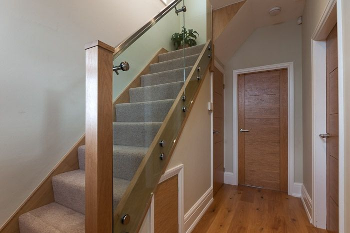 Structural Glass Staircase & Oak Stringer