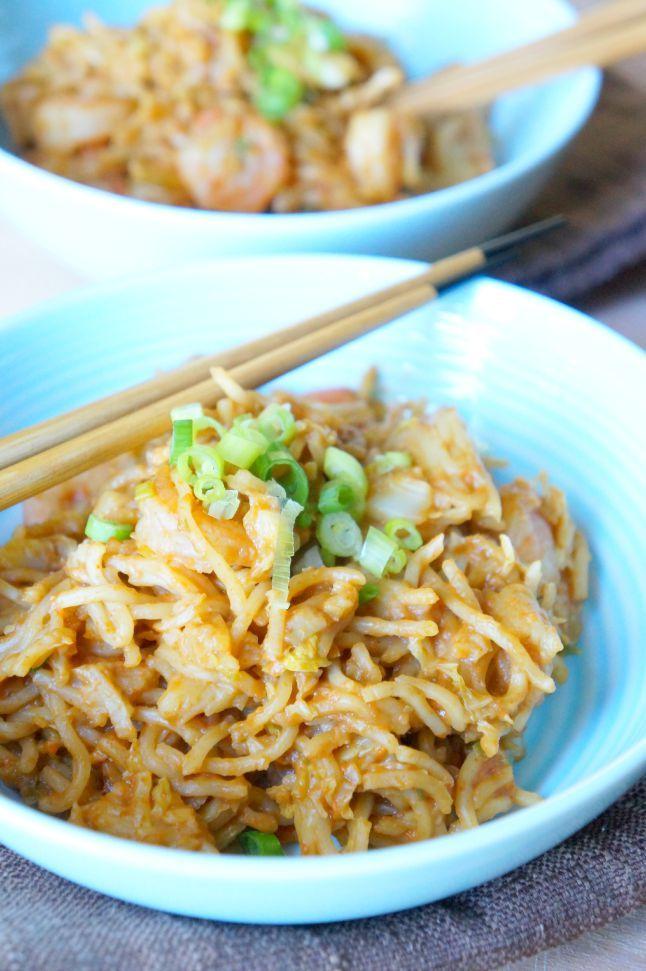Skinny Shrimp Pad Thai with PB2 | tomatoboots.co