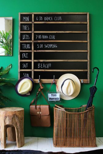 Chalkboard Life Planner with Hooks. Being organised? yes please.