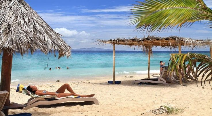 Based entirely in the Yasawa Islands, this package will ensure you see the best of this stunning Fiji region. You'll travel from one island in paradise to the next. What a holiday!