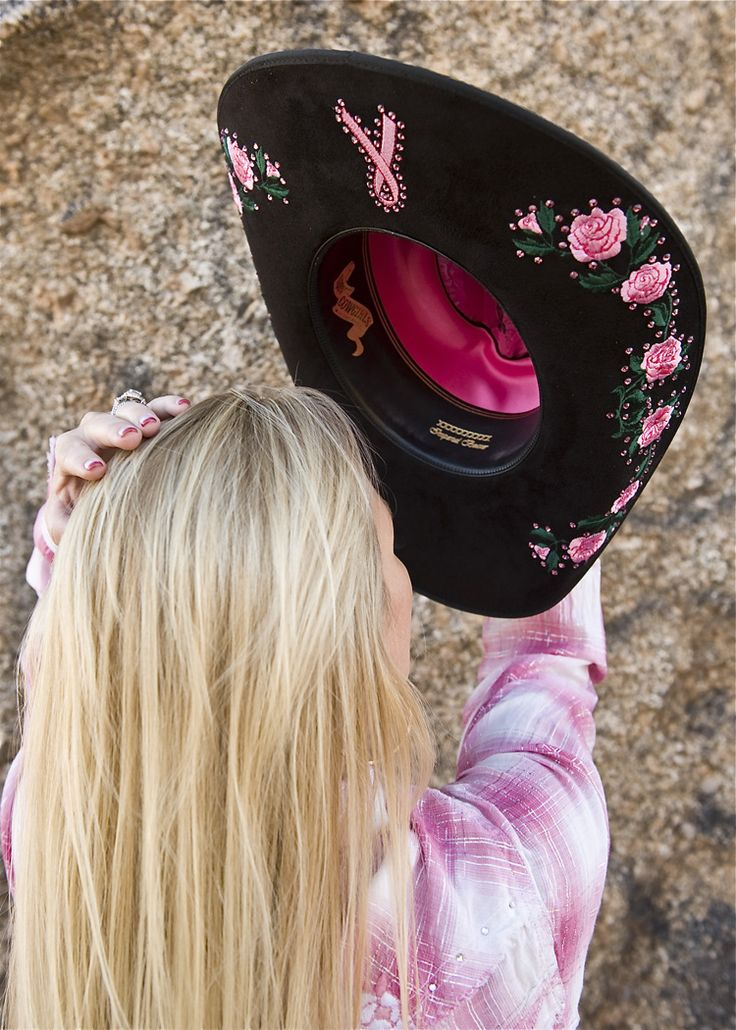 Way cute breast cancer awareness cowboy hat.