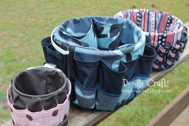 DIY bucket bags 3 pockets pouches storage.jpg   The bucket (5 gal.) bag I use for my garden supplies is so old and well used, it's falling apart.  This pattern is almost identical. Thank you Doodlecraft!