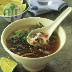 Caldo vietnamita com macarrão @ allrecipes.com.br