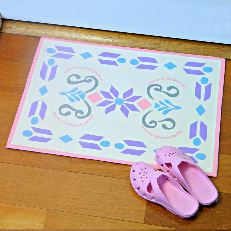 #FamilyDay in #Saskatchewan is the perfect time for kid-friendly crafts to decorate your home. Try this movie-inspired door mat, or be inspired to create your own design. Happy Family Day! http://markmontanoblogs.blogspot.com/2014/05/frozen-inspired-floor-decor.html