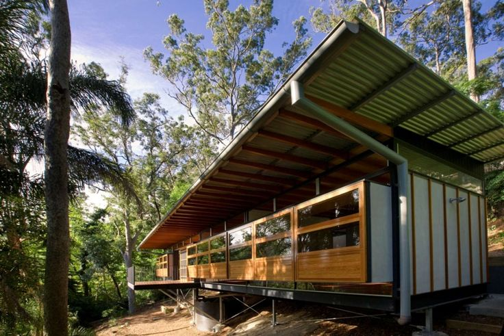 The Hilltop House is a small, carefully crafted dwelling on the steep eastern slopes of Pittwater, a beautiful waterway to the north of Sydney.  It is surrou...