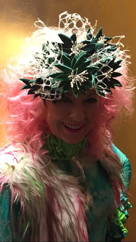 Couture Millinery  WATT MILLINERY custom made Designer Collaboration 2016 milliner hat headcrown  green couture exclusive handcrafted netting  couture art runway Fashion Aid 2016 red Carpet WIN !! catwalk model behind the scenes fashion show