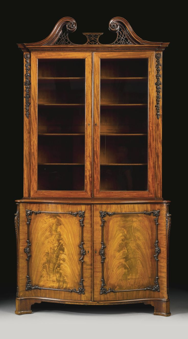 A fine George III mahogany bookcase cabinet, in the manner ...