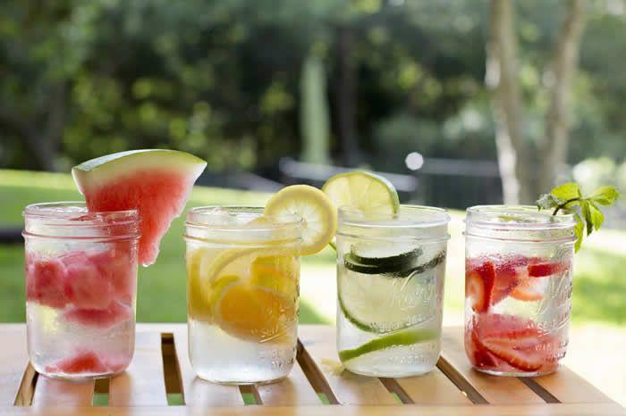 Avez-vous déjà entendu parler de la nouvelle boisson 100% naturelle? La Detox Water, qui fait déjà un carton...