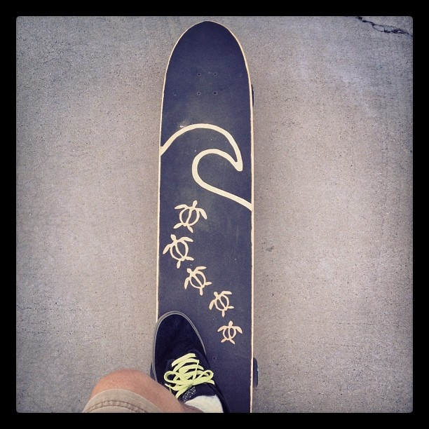 longboard with hand cut grip tape design s k a t e pinterest design hands and waves. Black Bedroom Furniture Sets. Home Design Ideas