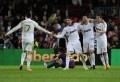 Le Real Madrid a battu 2 à 1 le FC Barcelone (mi-temps: 1-0 pour le Real) dans le classico samedi au Nou Camp et a ainsi pris une option sur le titre de champion d'Espagne avec désormais sept points d'avance sur son dauphin et adversaire du jour. Un succès de prestige, le premier en championnat [...]