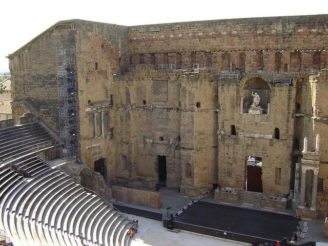 Théâtre antique d'Orange, via Flickr.